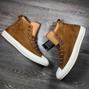 Converse Chuck Taylor Boot Hi NWT